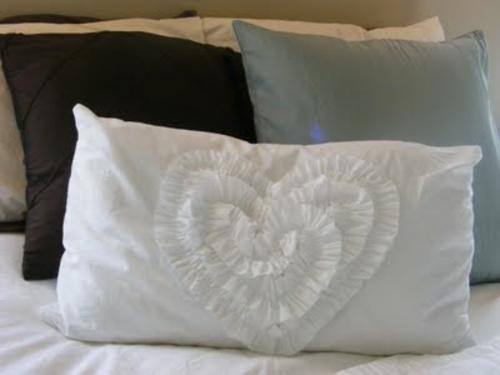 diy  für Dekoration aus Bettlaken dekoration herz
