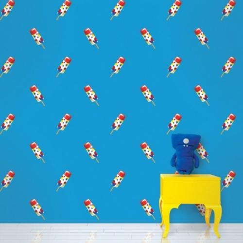 verspielte bunte Tapeten für Kinderzimmer blau eiscreme nachttisch gelb