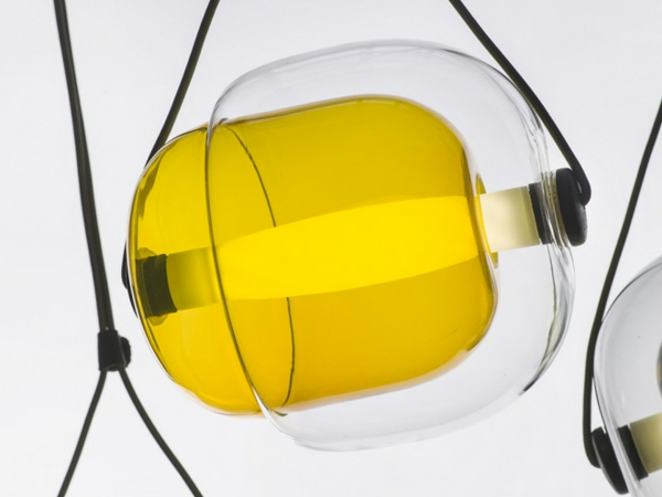 Capsula Hängelampen glasklar bunt kern natur gelb