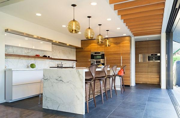 k chenhocker mit lehne stroyreestr. Black Bedroom Furniture Sets. Home Design Ideas