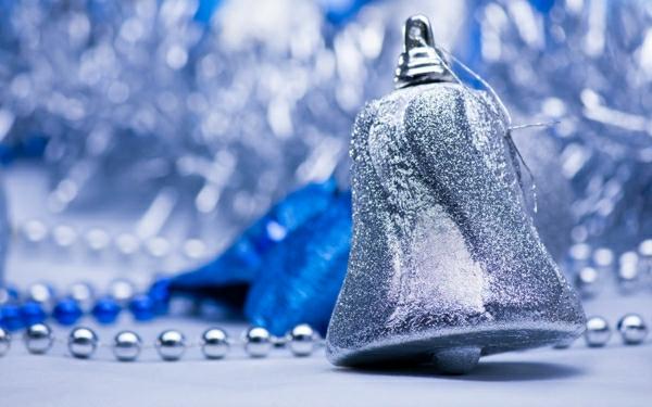 Coole Weihnachtsdeko und Weihnachtsbeleuchtung glocke glitzern