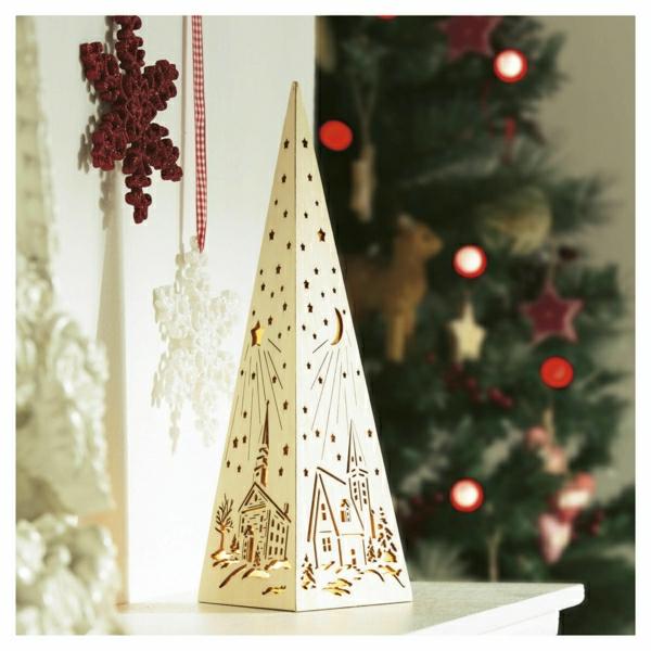 Coole Weihnachtsdeko und Weihnachtsbeleuchtung pyramide