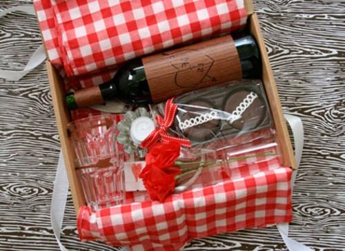 Geschenkideen zum Valentinstag korb piknik DIY
