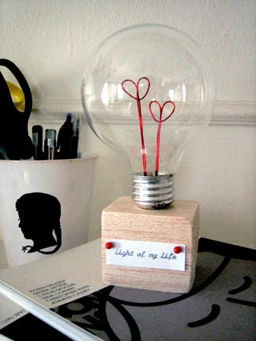 Geschenkideen zum Valentinstag lampe glühbirne liebe
