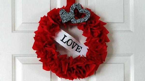 DIY coolen Kranz zum Valentinstag rot liebe