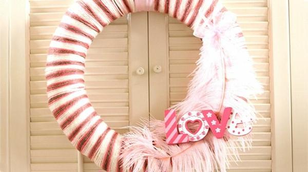 DIY coolen Kranz zum Valentinstag rund