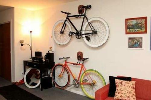 Den Fahrrad zu Hause richtig aufbewahren regale wohnzimmer