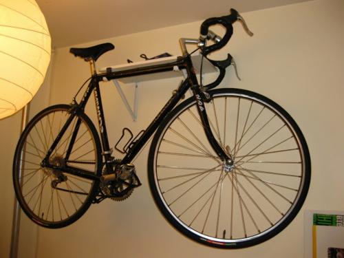 DIY Fahrrad zu Hause richtig aufbewahren ständer wand