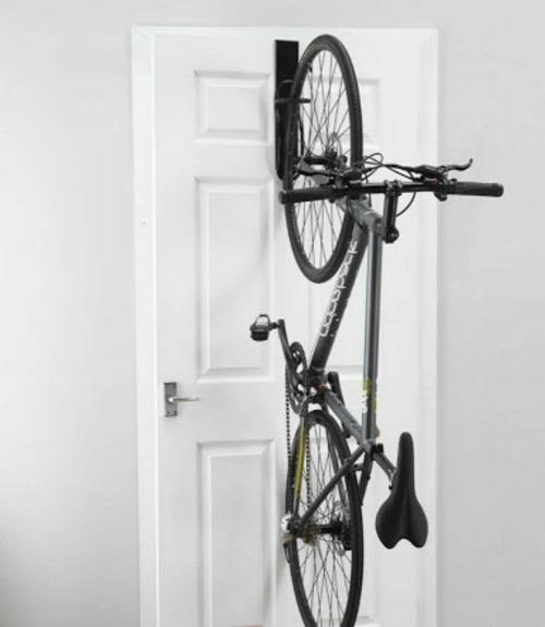 Den Fahrrad zu Hause richtig aufbewahren tür
