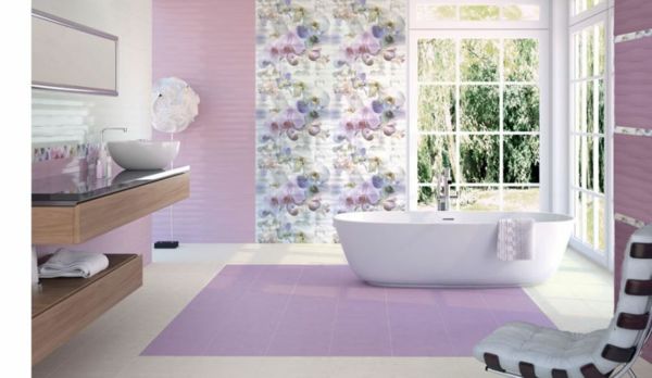 Fliesen für Ihr Badezimmer lila weiß fenster