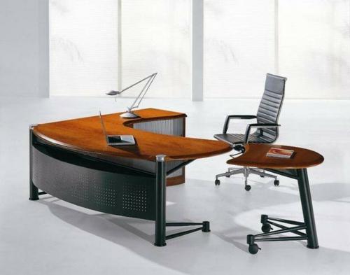 Günstige Schreibtische fürs Büro holz