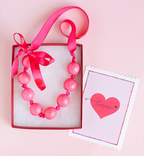 Geschenke und Dekoration zum Valentinstag selbst machen rosa