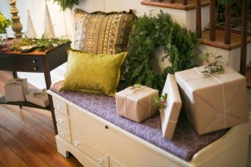 Leichte Deko für Weihnachten und Neujahr geschenke kranz tannenbaum