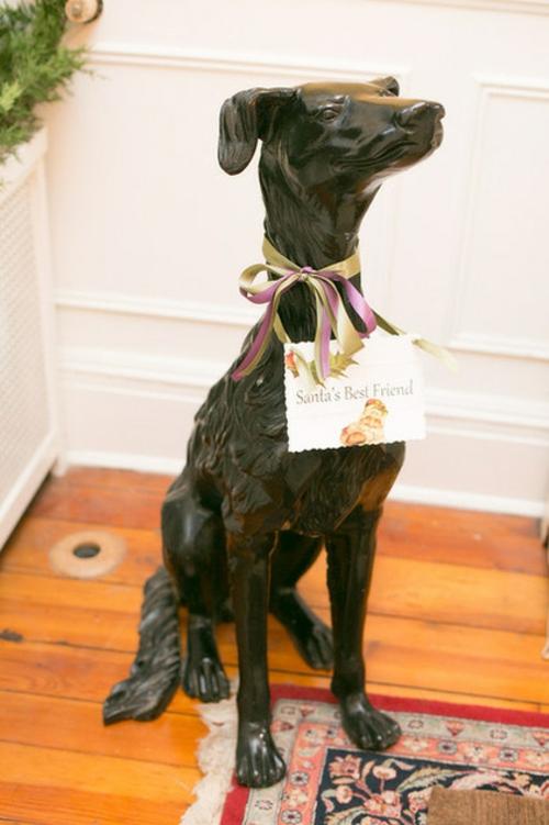 Leichte Deko für Weihnachten und Neujahr keramisch schwarz hund
