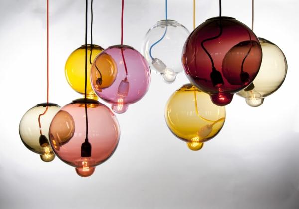 Holz Lampen Von Johan Lindstén ~ Meltdown Kugellampe aus Buntglas glühbirne hängend design idee