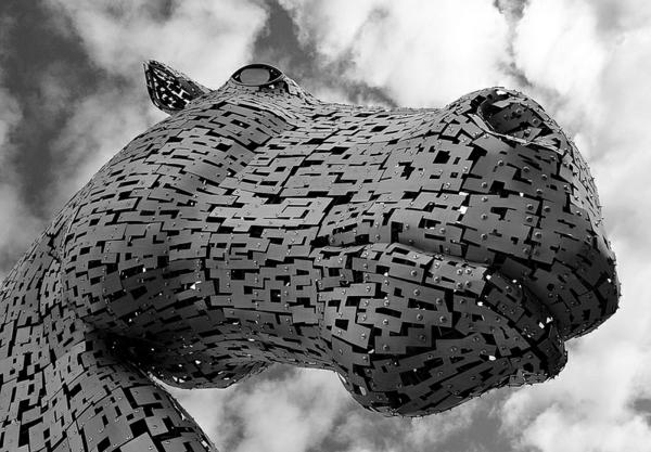 Riesige Kelpies' Pferdekopf Skulpturen schottland architektur