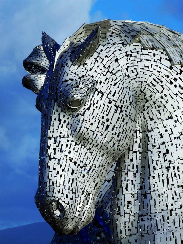 Riesige Kelpies' Pferdekopf Skulpturen schottland design