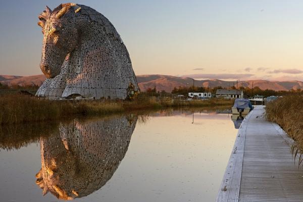 Riesige Kelpies Pferdekopf Skulpturen schottland