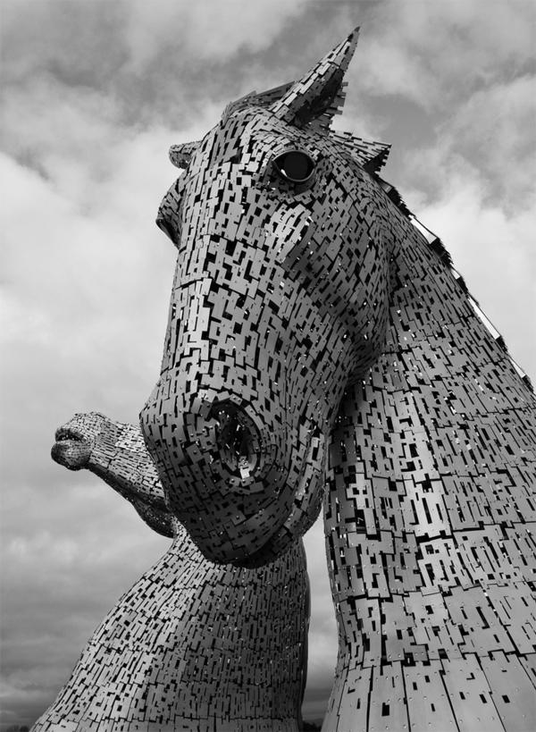 Riesige Kelpies Pferdekopf Skulpturen schottland stahl