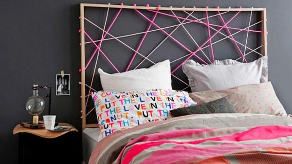 Schlafzimmer gestalten seile bunt kopfteil rahmen holz
