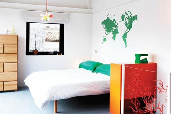 Schlafzimmer gestalten weltkarte kopfteil grün