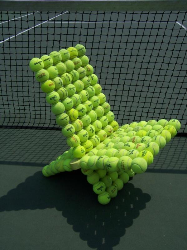 Stuhl  Tennisbälle wiederverwendet umweltfreundlich gartenstuhl