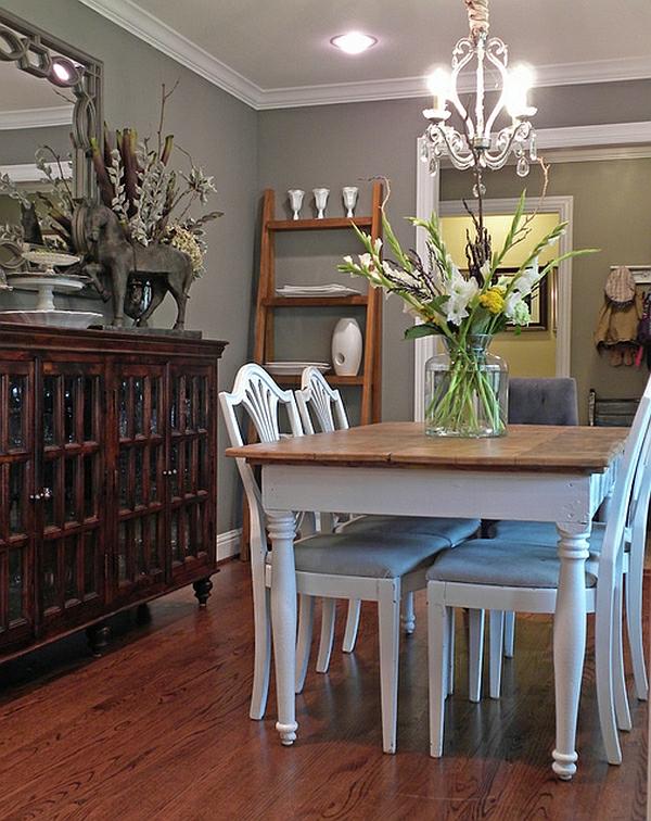 Leiterregal und Dekoartikel stühle klassisch rustikal esszimmer