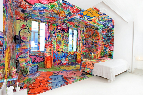 art hotel in marseille verzaubert mit seinem coolen. Black Bedroom Furniture Sets. Home Design Ideas