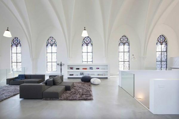 außergewöhnliche häuser arkaden und kirchenfenster