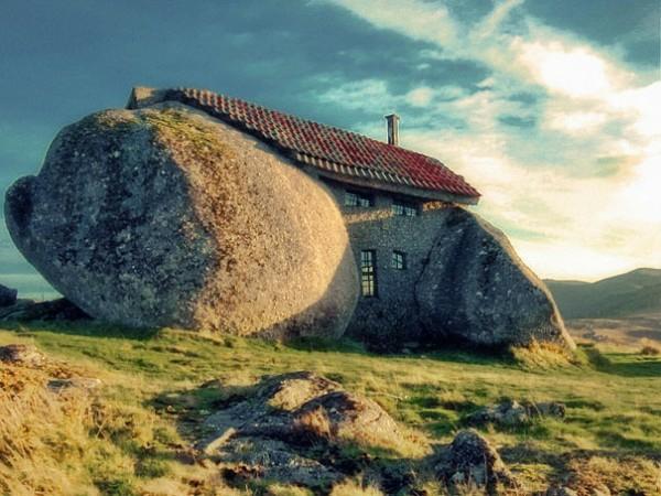 außergewöhnliche häuser steinhaus in portugal