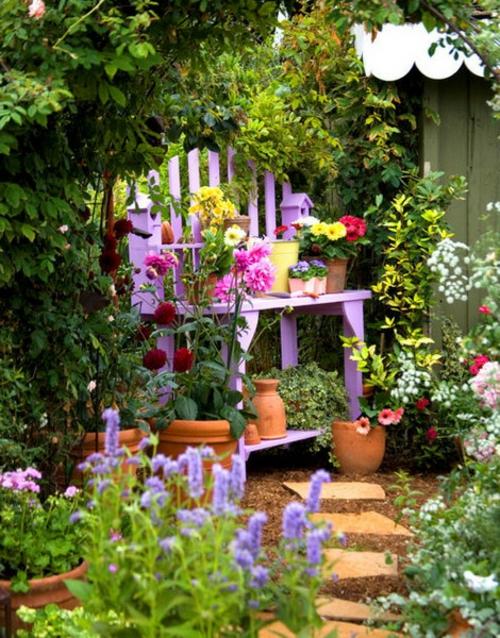 Vintage Blumentöpfe originell dekorativ lila holz stuhl