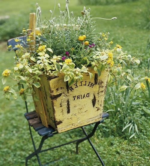 Vintage Blumentöpfe originell look metall holz stuhl