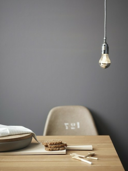diy lampen aus glühbirnen hängeleuchten esszimmer holz