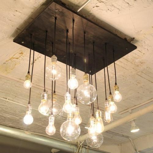Coole diy lampen aus gl hbirnen basteln sch n und funktional for Lampen deckenleuchten
