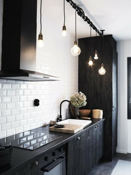 diy lampen aus glühbirnen hängeleuchten schiene küche