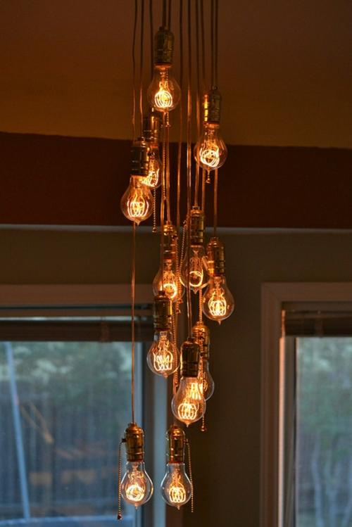 Coole diy lampen aus gl hbirnen basteln sch n und funktional for Lampen nostalgie