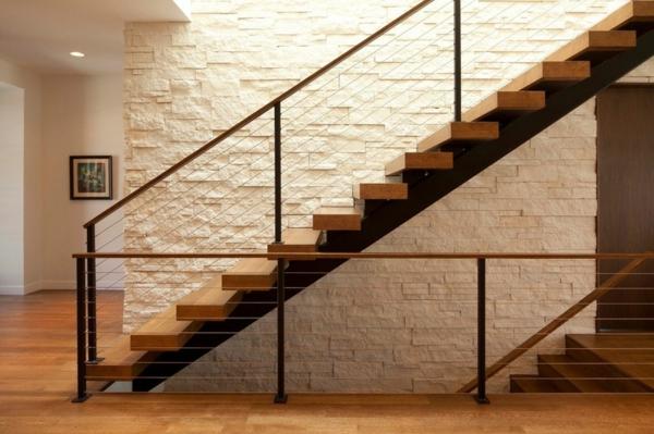 dachfenster-skylight-an-der-treppe