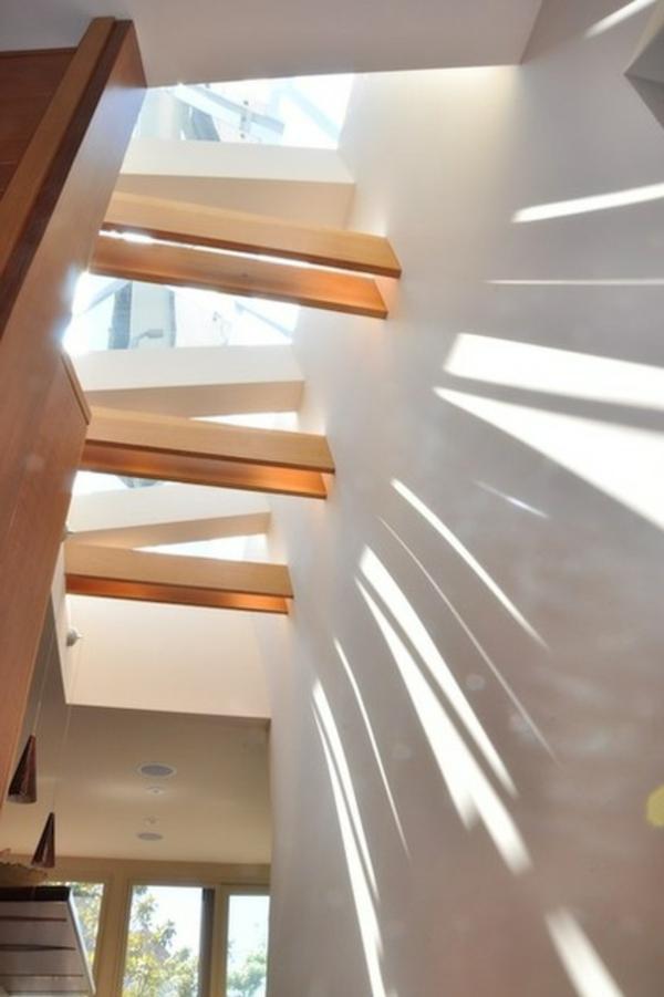 dachfenster-skylight-holzplanken-und-glas