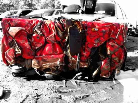 designer couchtisch verschrottetes auto