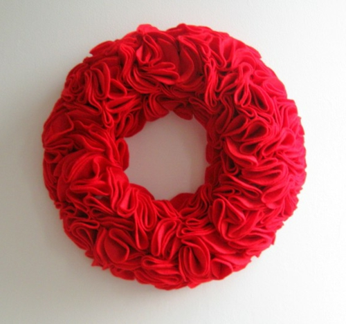 rund schaumstoff rot kranz festlich valentinstag idee