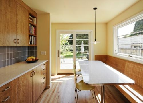 gutes Küchendesign einrichten hängelampe esstisch glanzvoll oberfläche