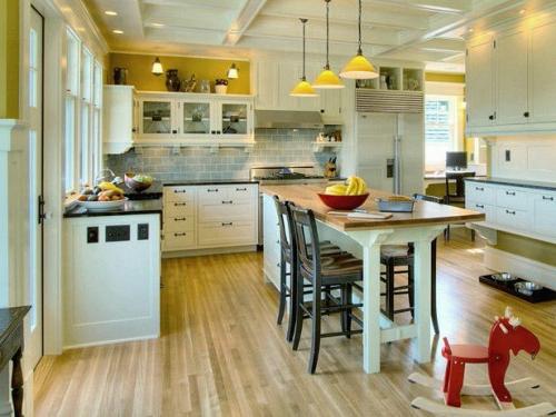 küchen als esstisch mit stühlen