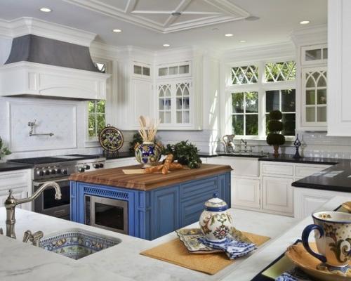 küchen in kobaltblau mit mikrowelle