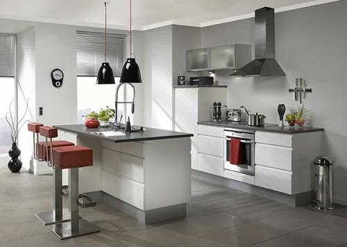 kücheninsel weißer sockel dunkle arbeitsplatte