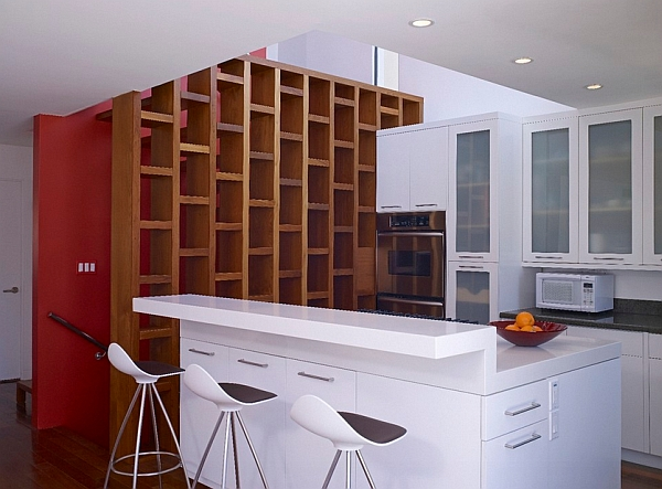 barhocker weiß kücheninsel glanzvoll oberfläche simpel