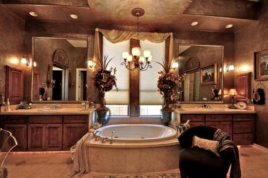 romantisches badezimmer edel und symmetrisch