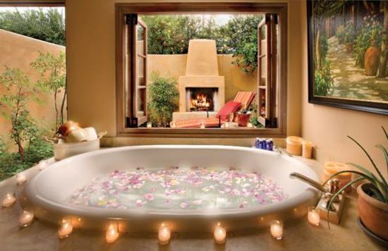 romantisches bad mit windlichtern
