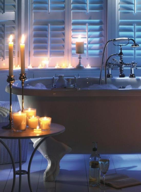 romantisches badezimmer weiße krallen fuß wanne