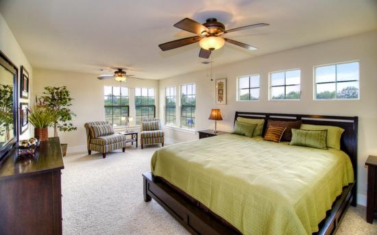 schlafzimmermöbel gestreifte sessel