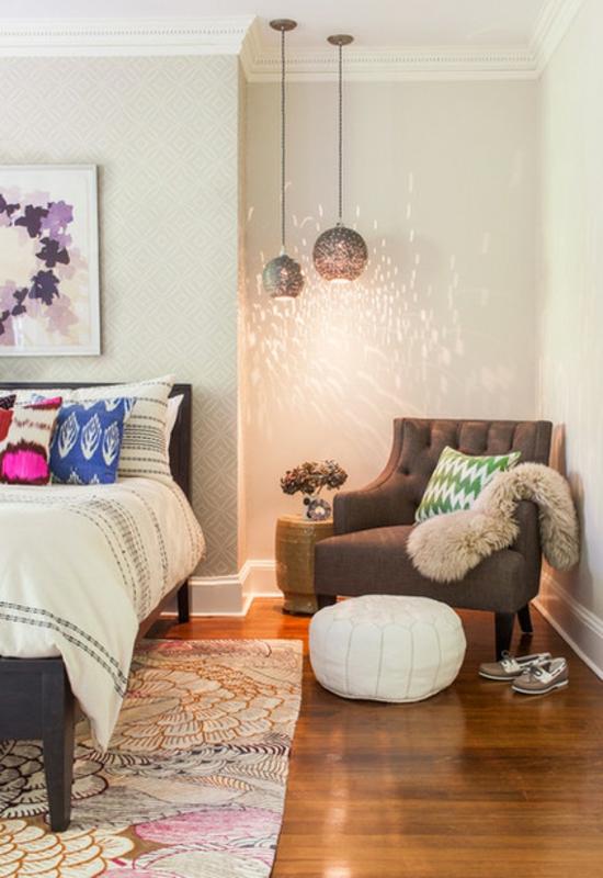 schlafzimmermöbel runder lederhocker und sessel